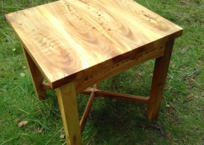 Elm Table